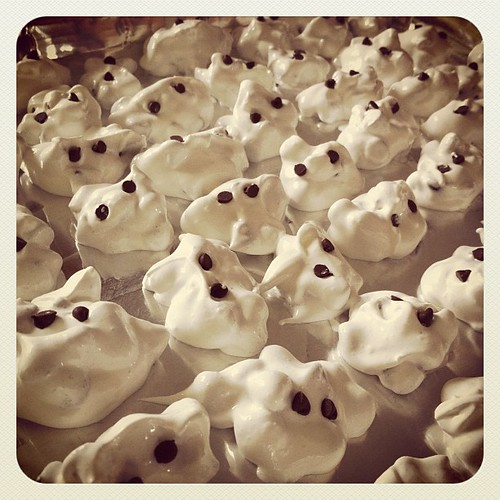 No-Peek Meringue cookies with eyes