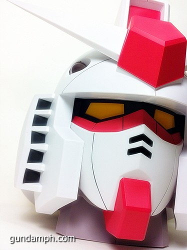 BIG RX-78-2 Gundam Head Coin Bank 30th Anniversary Edition 7-11 (34)