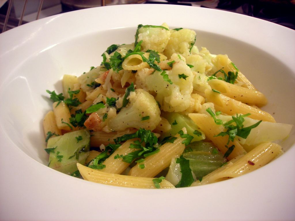Penne with cauliflower
