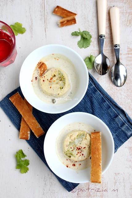 Mousse de broccoletti e tofu affumicato con salsina di capperi e acciughe