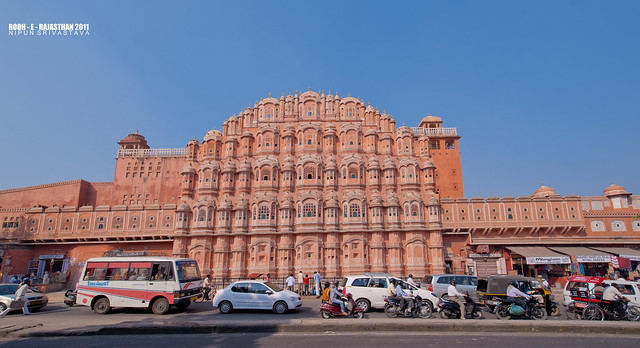 Jaipur traffic and the Hawa Mahal.