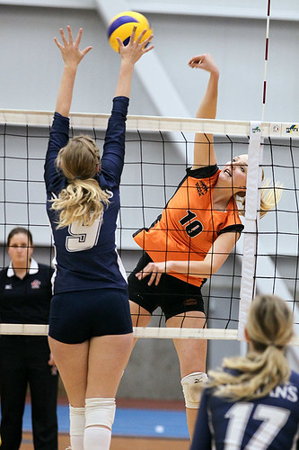 WOLFPACK WOMEN'S VOLLEYBALL SPLIT WITH TRINITY WESTERN ...