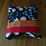 Little bag for sewing machine pedal and cable