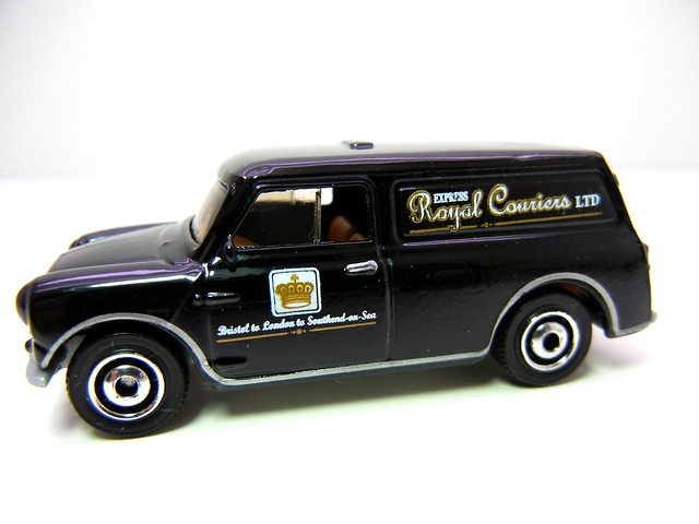 MATCHBOX AUSTIN MINI VAN BLK (2)