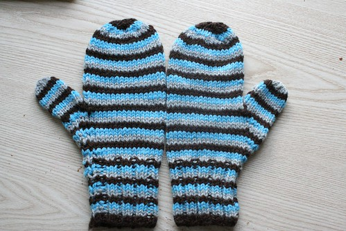 knitted :: mittens
