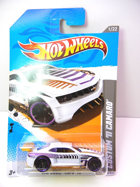 hot wheels '11 camaro ss (1)