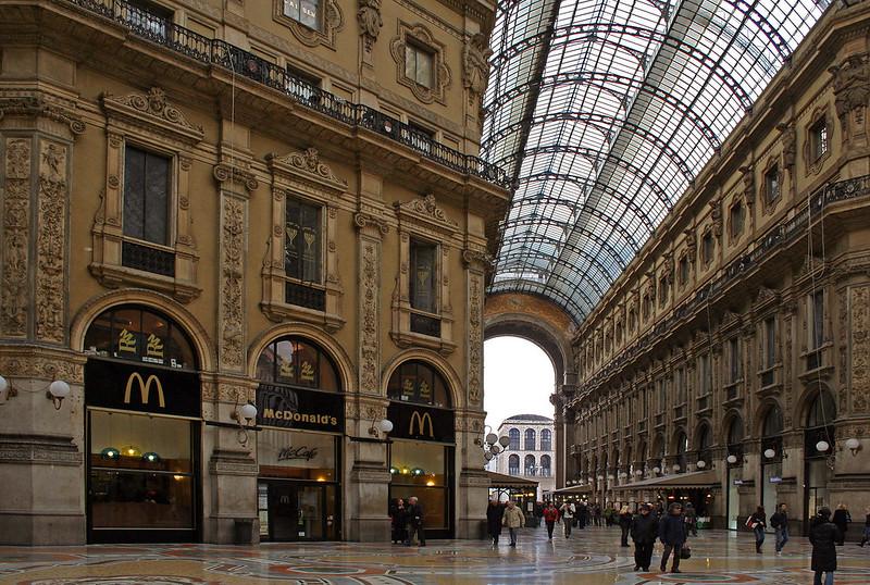 McDonalds en La Cúpula - Milan