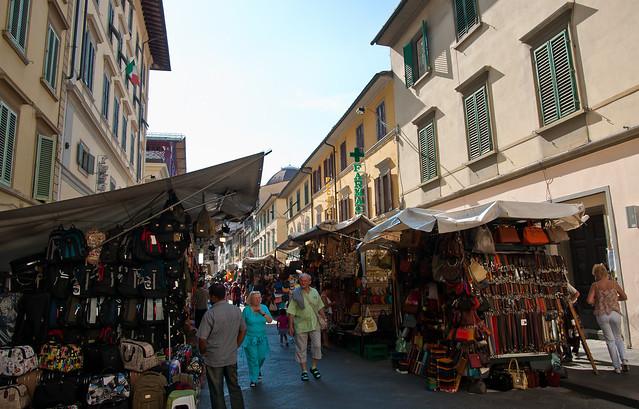 San Lorenzo Market by webeagle12 on Flickr