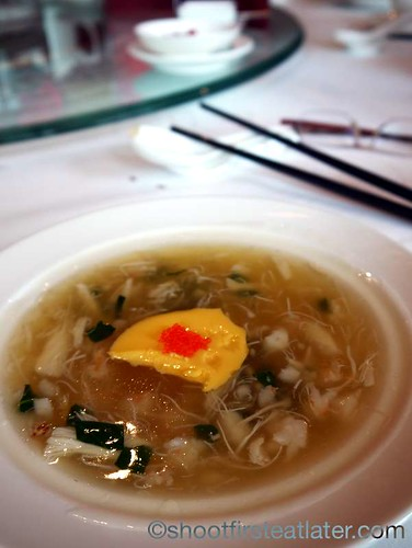 braised seafood soup with crab roe