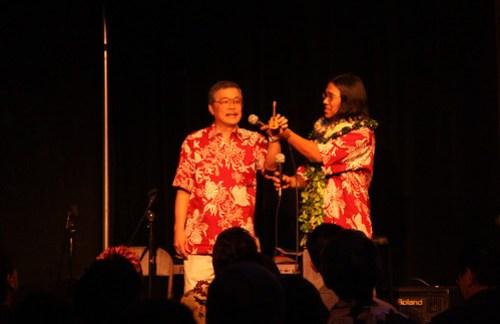 Alvin Okami and Gary San Angel shows mini ukulele- The KoAloha Ukulele Story Screening