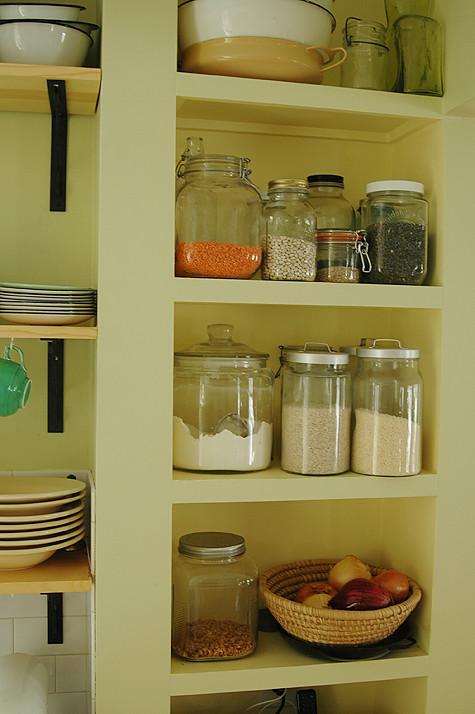 reno-shelves-jars