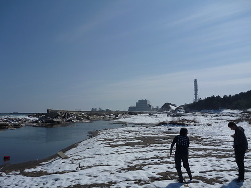 南相馬で側溝掃除ボランティア Volunteer at Minamisoma city, Fukushima pref., Damaged by the Tsunami of Japan Earthquake and Fukushima Daiichi nuclear plant accident