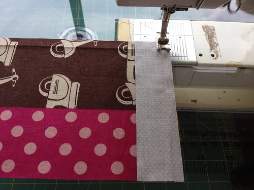 Snap Pouch Tutorial Sewing Outside