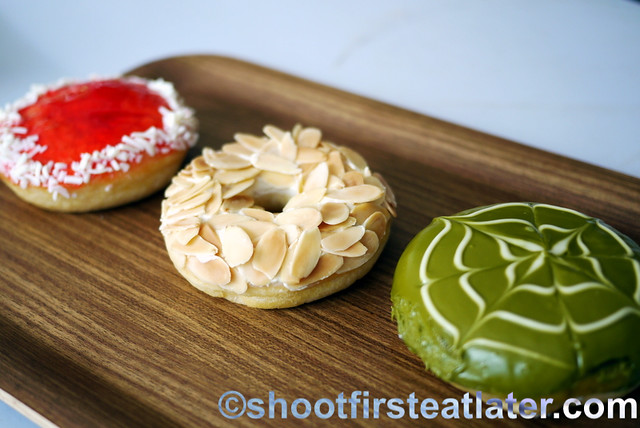 J.CO Donuts- berry spears, alcapone & green tease