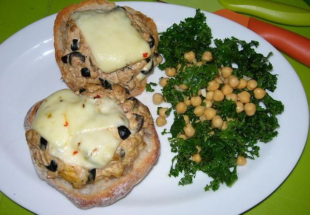 Kale-Chickpea Salad with Tuna Melt