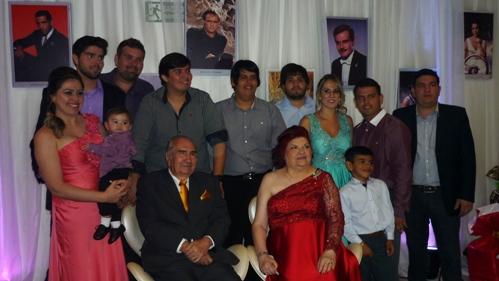 Raul e Laura Loureiro com os netos e bisnetos