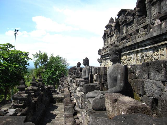 Borobudur / Prambanan