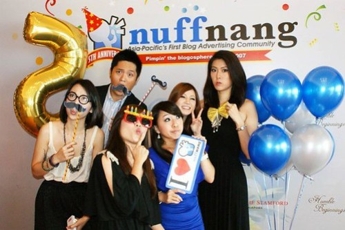 Singapore Lifestyle Blog, nadnut, Life and Fun, Nuffnang, Nuffnang Singapore, Nuffnangis5, Nuffnang is 5, Nuffnang is Five, Happy birthday Nuffnang, Nuffnang's birthday party, Birthday Party, Equinox, Parties in Equinox, Bloggers in Singapore, Popular Bloggers in Singapore, Ladyironchef, Dweam, Xiaxue, Bongqiuqiu, Peggy Heng, Sixpegs, Yinagoh, Nichology, Beatrice Tan, Yutakis, DblChin, Boss Ming, Nuffnang Bloggers, Parties