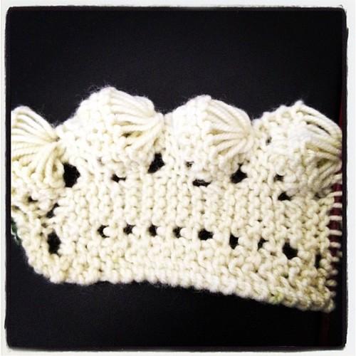 Intriguing fan lace - start of beaded wedding purse for @alysj