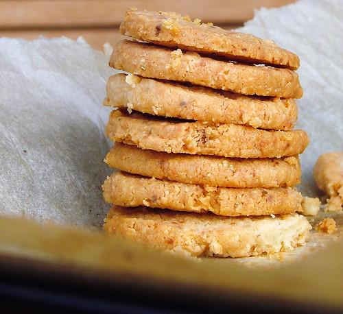 Biscottini salati al pepe  - Pepper cookies