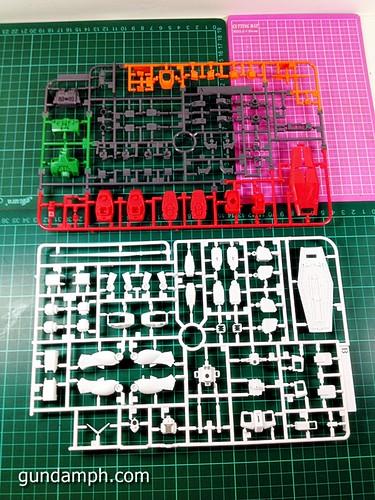 HG 144 2011 7 Eleven RX-78-2 Ver G30th (15)