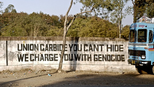 UNION CARBIDE YOU CANT HIDE -WE CHARGE YOU WITH GENOCIDE
