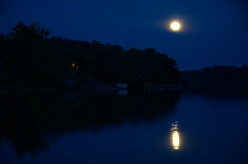Supermoon at Lake Mohawk 01