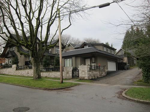Laneway house