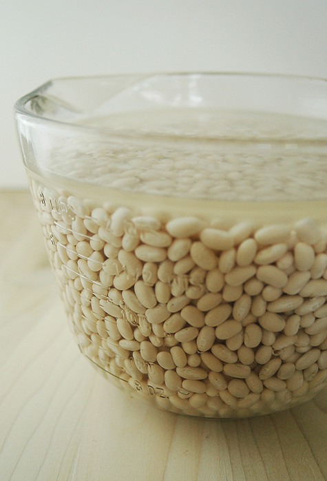 driedbeans-soaking