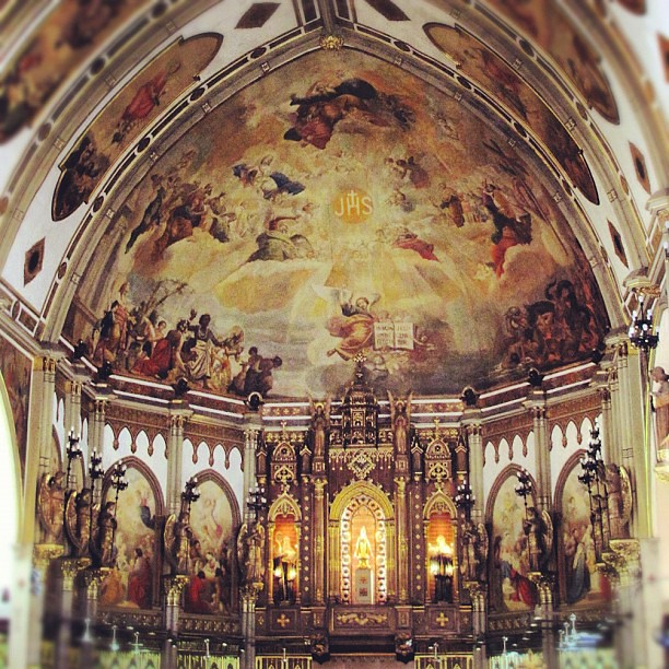 Inside the San Beda Chapel #visitaiglesia #holyweek #churches #popular #iger #instaphoto #instahub #instamatic #instagood #manila #philippines