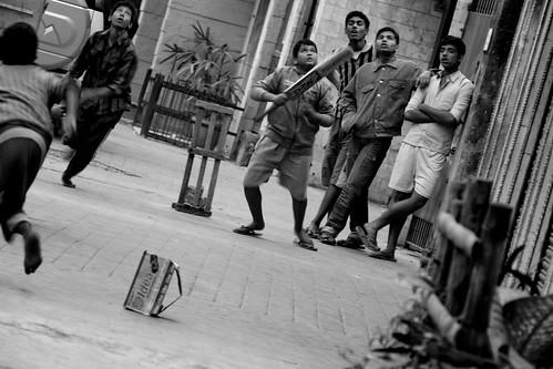 Cricket on Street by vishangshah