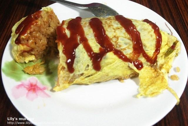 好吃又美味的蛋包飯,喜歡吃炒飯的人來忠孝夜市不要錯過。