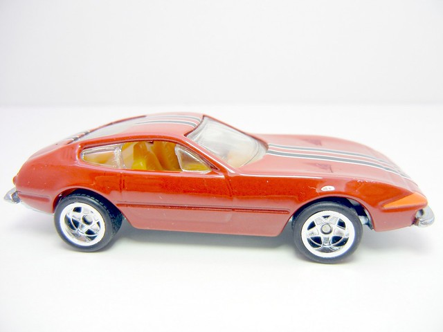HOT WHEELS GARAGE FERRARI 365 GTB4 DAYTONA RED (2)
