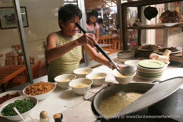 Netong's La Paz Batchoy-7.jpg