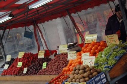 Street fruit vendor, Munich