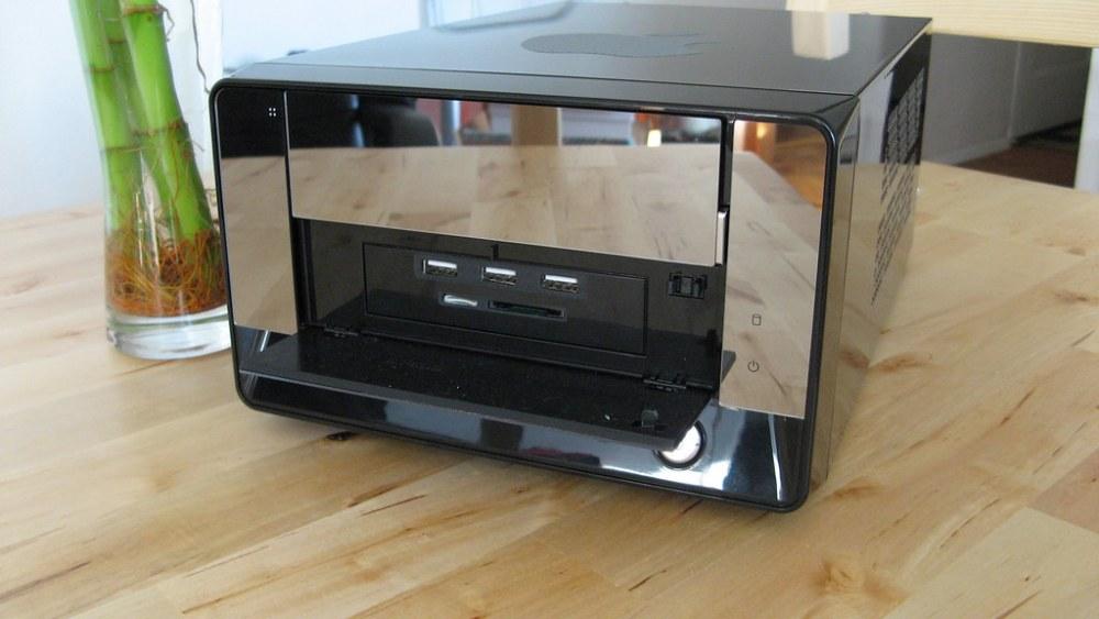 —Trinity: The Build - Built-in SD Card Reader & 3 Port USB Hub Mod for the CustoMac Mini 2011 (1/6)