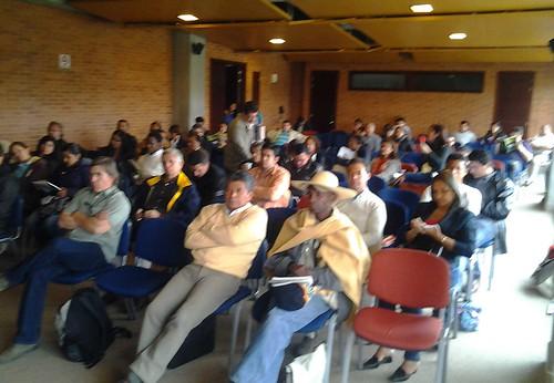 Radialistas durante el encuentro de AMARC