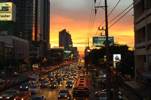Senja di Bangkok