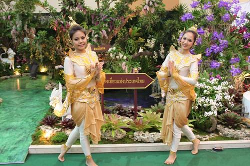 20120122_2403_dancers