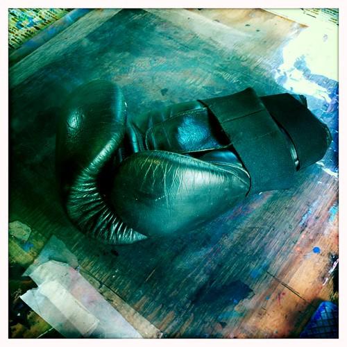 found: 1 glove