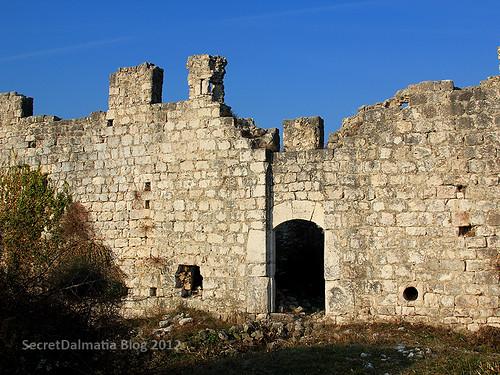 Entrance to Vrana fortress
