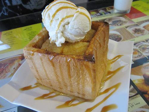 NoodleHouse caramel honey toast