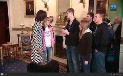 First Lady and Bo surprise tour visitors - pix 01