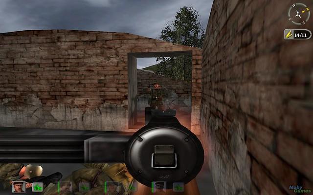 355792-hidden-dangerous-deluxe-windows-screenshot-killing-an-enemys