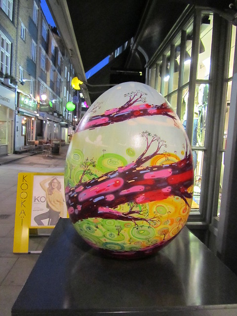 162 - Seasonal Egg by Milo Tchais