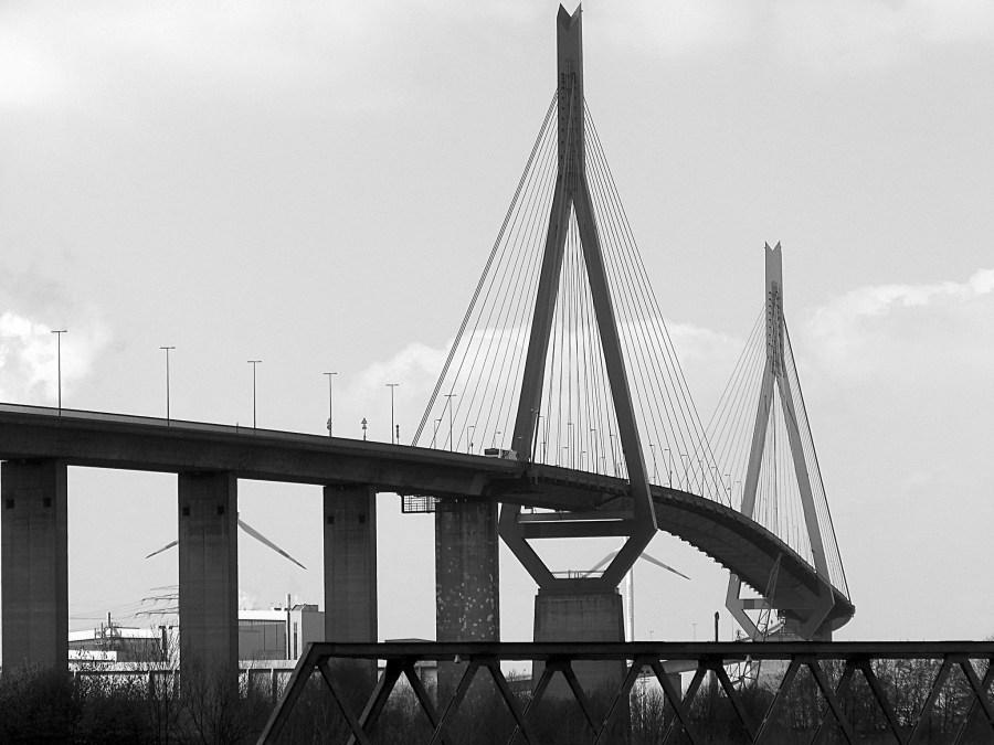 9 Bruggen in Hamburg, Köhlbrandbrücke, foto door Andreas Meese | Standort Hamburg
