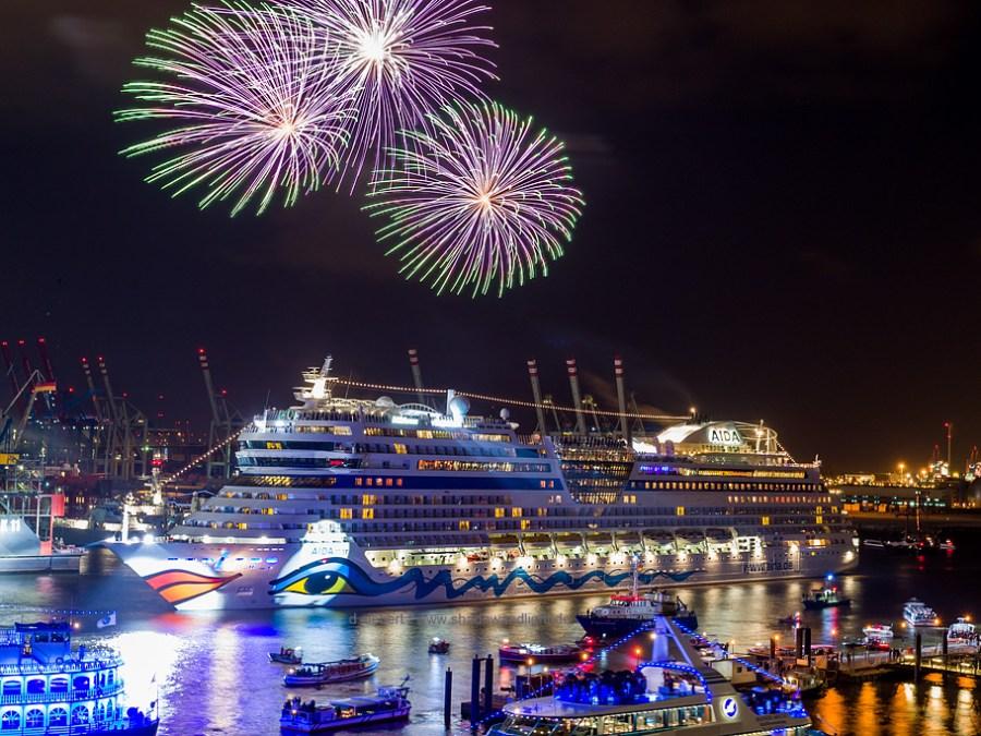 Hamburg Hafengeburtstag, vuurwerkshow AIDA, foto door Dennis Siebert | Standort Hamburg
