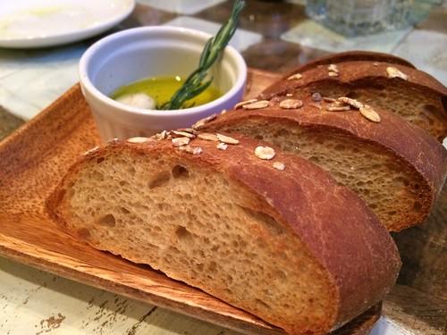 全粒粉のパン@マザーアースカフェ
