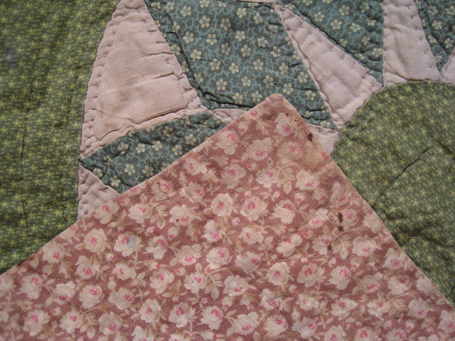 detail front and back fabric  help wanted :date  and name