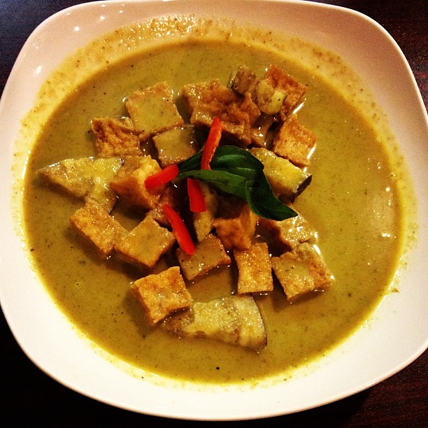 Green Curry (so hot it turned my face and neck red)